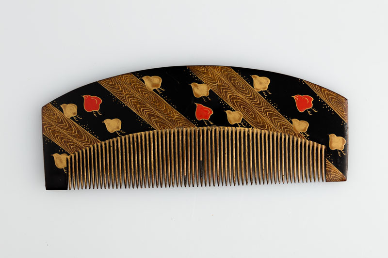 Anonymous artist - Comb with convex handle