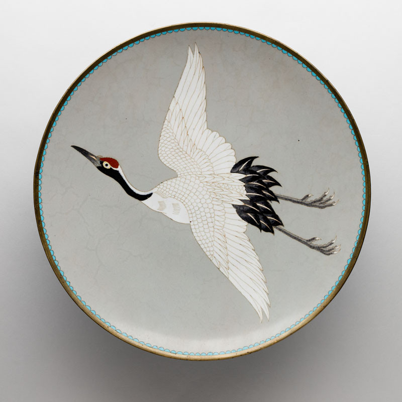 Anonymous artist (style of Hayashi Kōdenji II) - Decorative plate adorned with a flying crane