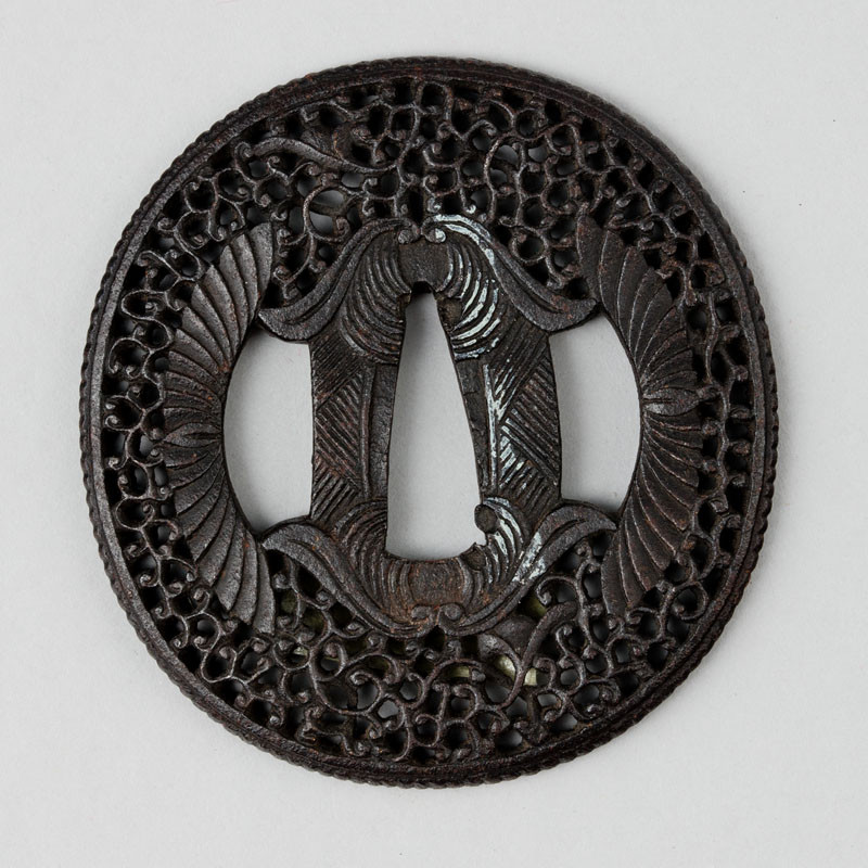 Anonymous artist (Namban school) - Tsuba (sword guard) decorated with snakes motif and rasterizing